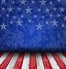 Leere Holzdeck Tabelle über USA-Flagge Hintergrund