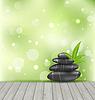 Zen Steine auf Holz Textur, meditative orientalischen