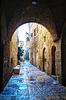 Narrow street in Old City of Jerusalem | 免版税照片