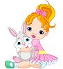 Kleines Mädchen umarmt Spielzeug Hase