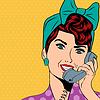 Frau im Chat auf Telefon, Pop-Art