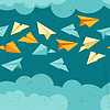 Nahtlose Muster von Papier Flugzeuge am Himmel mit Wolken