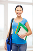 ID 4449018 | 学生用的文件夹,平板电脑和包包在学校 | 高分辨率照片 | CLIPARTO