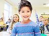 小女孩的学校在课堂背景 | 免版税照片