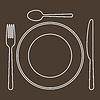 Legen Sie mit Teller, Messer, Löffel und Gabel