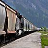 ID 4233649 | Długi pociąg towarowy w kanadyjskich Rockies. | Foto stockowe wysokiej rozdzielczości | KLIPARTO