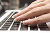 ID 4462466 | Hand auf einer Tastatur | Foto mit hoher Auflösung | CLIPARTO