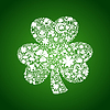 St. Patrick-Tageskarte von weißen Objekten auf grün