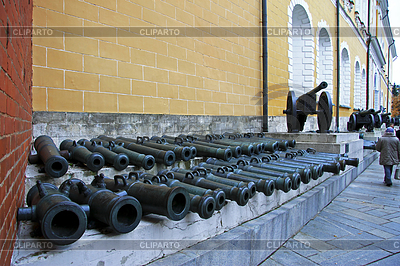 Ancient artillery Cannons In Moscow Kremlin, Russia | Foto stockowe wysokiej rozdzielczości |ID 4187546