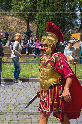 Schauspieler Darstellung römischer Legionär für Touristen in der Nähe von | Illustration mit hoher Auflösung |ID 4489251