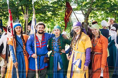 Teilnehmer des Festival der mittelalterlichen Kultur Unsere | Foto mit hoher Auflösung |ID 4503169
