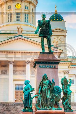 Statue Of Emperor Alexander II Of Russia | Foto stockowe wysokiej rozdzielczości |ID 4675450