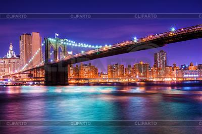 Brooklyn bridge at night in New York | Foto stockowe wysokiej rozdzielczości |ID 4330728