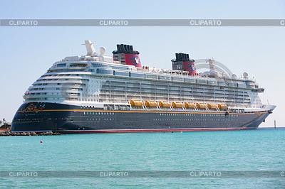 Nassau-5 lutego: Disney Dream, nowy statek wycieczkowy, | Foto stockowe wysokiej rozdzielczości |ID 4299206