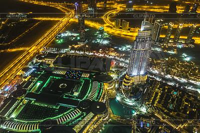 Adres hotelu w nocy w centrum dzielnicy Dubaju | Foto stockowe wysokiej rozdzielczości |ID 4263178