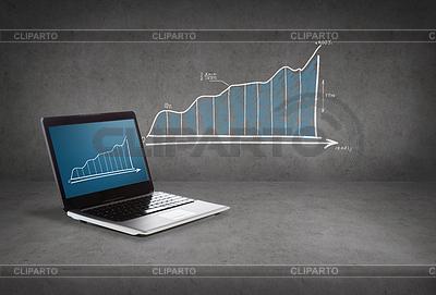 Laptop-Computer mit Grafik auf dem Bildschirm | Foto mit hoher Auflösung |ID 4450344