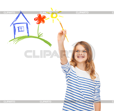 Cute little girl drawing house with brush | Foto stockowe wysokiej rozdzielczości |ID 4452438
