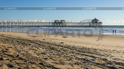 Hdr stock photos and vektor eps clipart cliparto for Huntington beach pier fishing