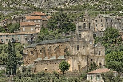 Santo Pietro di Tenda, Church Santo Pietro, Corsica | Foto stockowe wysokiej rozdzielczości |ID 4165311