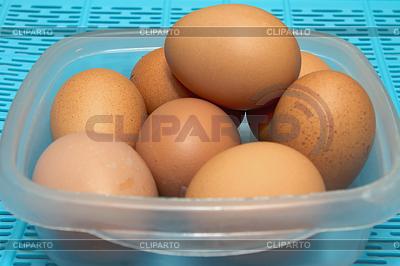 Jaja w misce | Foto stockowe wysokiej rozdzielczości |ID 4429419