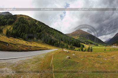 Kręte i niebezpieczne drogi Włochy, Dolomity | Foto stockowe wysokiej rozdzielczości |ID 4343708